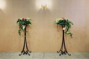 Кованые подставки с цветами для похорон