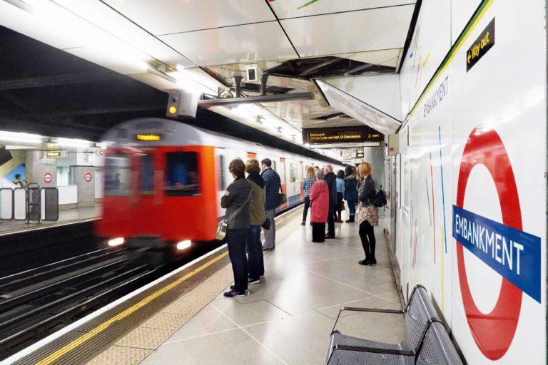 Могила жертв чумы в подземке Лондона
