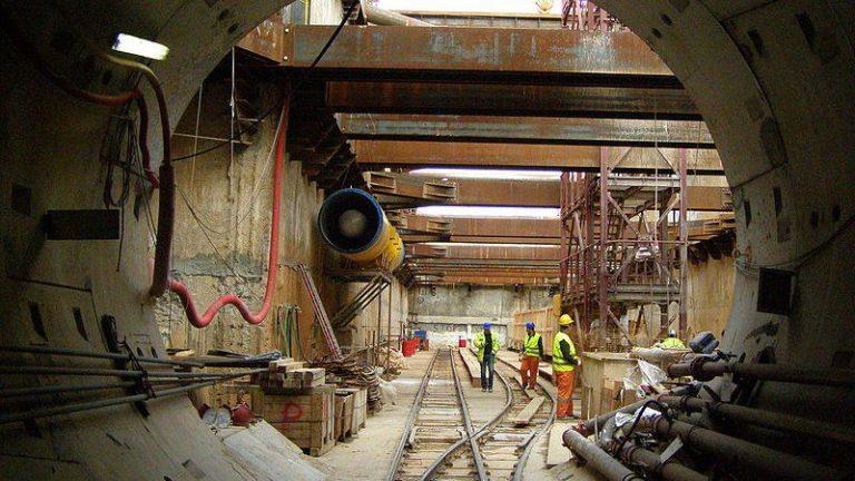 Останки античных аристократок в метро Фессалоников